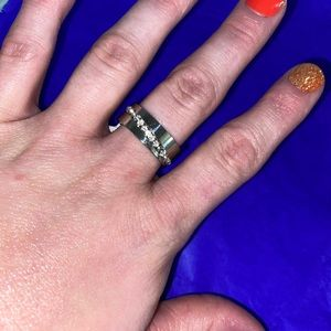 NWT! Silver Stainless Steel Crystal Band Ring!